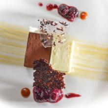 Levendulás étcsokoládé és rózsás fehércsokoládé ganache